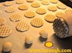 طريقة افكار وفنون تشكيل البسكويت باليد بدون ماكينه Biscuits Desserts Food