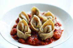 Vegan rye dumplings with vegetable filling and bean sauce Rye, Vegan Recipes Easy, Dumplings, Beans, Vegetables, House, Easy Vegan Recipes, Home, Beans Recipes