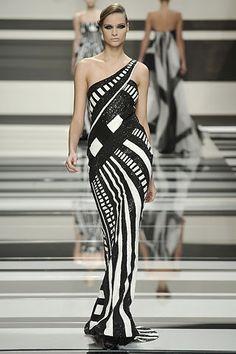 Eile Saab Couture Fashion, Runway Fashion, Fashion Show, Fashion Design, Vogue Fashion, Fall Fashion, Beautiful Gowns, Beautiful Outfits, Celebridades Fashion