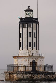 Angel's Gate Lighthouse in San Pedro, California. Maggie's surprised to find her daughter Emily living in San Pedro instead of in Malibu. San Pedro California, California Usa, Southern California, Safe Harbor, Beacon Of Light, Tall Ships, North America, Places To Visit, Around The Worlds