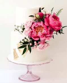 Featured Wedding Cake: Ruze Cake House; www.ruzecakehouse.com; Wedding cake idea.