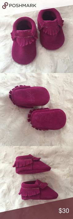 Size 1 Freshly Picked Magenta Moccasins Purchased these from the Freshly Picked website. They are called Velvet Crush. My daughter wore these a few times, but they are in great condition. There is a little marking on the bottom from a wipey touching the suede. Freshly Picked Shoes Moccasins