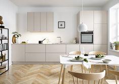 Modern-Kitchen-Design by Schuller German Kitchens - Sand Grey Matt Velvet Kitchen Buffet, Patio Kitchen, Home Decor Kitchen, Kitchen Interior, Kitchen Cabinets, Kitchen Hacks, Diy Kitchen, Kitchen Furniture, Kitchen Ideas