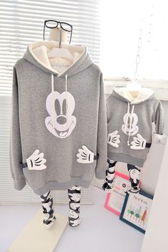 QZZ183 Winter 1 7Y kids cartoon mickey hands family matching hoodies father mother and son daughter fleece thick warm clothes