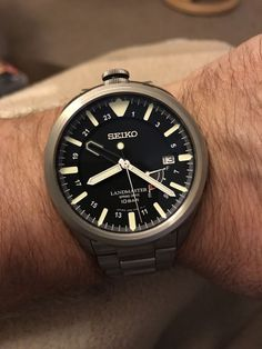Seiko Landmaster with spring drive movement Stylish Watches, Luxury Watches For Men, Cool Watches, Dream Watches, Wrist Watches, Seiko Mod, Hand Watch, Seiko Watches, Watch Brands