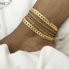 bisuteria Looking for some unique splendid anklet, well no worries, we have huge collection of exquisite anklets fashion accessories for every occasion Cute Jewelry, Body Jewelry, Silver Jewelry, Jewelry Accessories, Fashion Accessories, Women Jewelry, Fashion Jewelry, Gold Fashion, Silver Ring