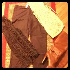 NWT Brown Banana Republic above the ankle pants NWT above the ankle brown ryan fit Banana Republic pants they look great with ankle or knee high boots and there in stores now. Banana Republic Pants Ankle & Cropped