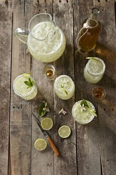 5 Cocktails Made with Limoncello: The Ultimate Summer Liqueur - - From margaritas to martinis (yes, it's possible). Best Margarita Recipe, Perfect Margarita, Margarita Recipes, Cocktail Recipes, Margarita Salt, Skinny Margarita, Recipes Dinner, Limoncello Cocktails, Fun Cocktails
