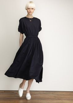 Black Crane Pleats Dress (Navy)