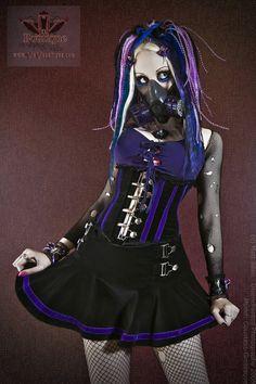 Excellent example of Cyber Goth in a lolita dress Alternative Outfits, Alternative Fashion, Steampunk, Victorian Goth, Cyberpunk Fashion, Female Soldier, Japanese Street Fashion, Cybergoth, Gothic Girls