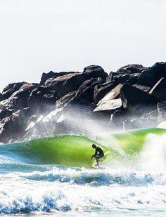 Surf Hale'iwa | surf4living:   Lil pit for Smith.  Ph: Trevor...