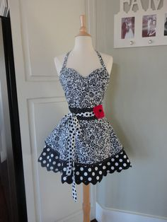 4RetroSisters Sadie Mae Style Womens Full Apron by 4RetroSisters Love this one!