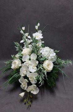 Grave Decorations, Funeral Flowers, Ikebana, Flower Arrangements, Floral Wreath, Wreaths, Christmas, Crafts, Diy