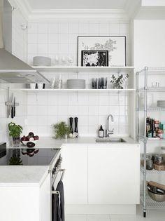 Via My Scandinavian Home | White Minimal Kitchen