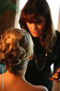 Click here for some fabulous bridal hair tips and tricks!