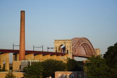 You know you're in Astoria when you see the Hell Gate Bridge. [Photo: Joe Cingrana/NYC & Company]