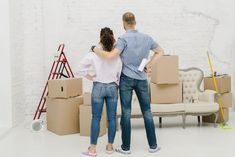 How to decorate your home without spending extra money - Anthology Magazine Packing Companies, Best Moving Companies, Packing Services, Companies In Dubai, Delta Design, Huge Tv, Panel Led, House Removals, Best Movers