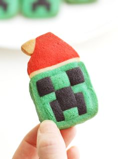 Super cute Minecraft Creeper santa cookies will make a perfect holiday gift and treats for all Minecraft fans. Also they will be excellent Christmas tree ornaments. - Eugenie Kitchen