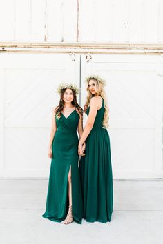 Hunter green bridesmaid dresses to mix and match - New Affordable Bridesmaid Dresses from Thread Bridesmaid! Mixed Bridesmaid Dresses, Emerald Green Bridesmaid Dresses, Affordable Bridesmaid Dresses, Red Wedding Dresses, Wedding Dress Styles, Green Bridesmaids, Wedding Affordable, Wedding Attire, Prom Dresses