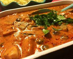 """Grymt god och krämig kycklinggryta gjort på """"ingenting"""" Thai Red Curry, Love Food, Chicken Recipes, Chicken Meals, The Best, Keto Recipes, Food And Drink, Health Fitness, Favorite Recipes"""