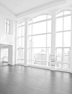 regardsetmaisons: Du blanc et de grandes fenêtres