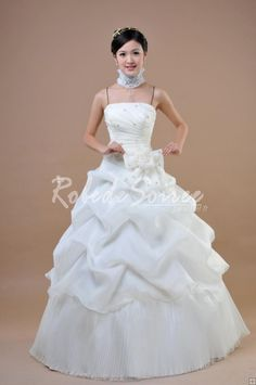 robe de mariée 2012,Bretelles spaghetti,robe de mariage pas chéres [Wedding04280106] - €198.00 : Robe de Soirée Pas Cher,Robe de Cocktail Pas Cher,Robe de Mariage,Robe de Soirée Cocktail.