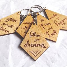 Keychain with motivational, inspirational quotes / laser cut and engraved wood / choose your message Wood Burning Crafts, Wood Burning Patterns, Wood Burning Art, Wood Crafts, Laser Art, Laser Cut Wood, Laser Cutting, Wooden Keychain, Diy Keychain