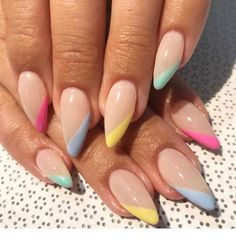 Long acrylic nails are too sharp, and short nails are too ordinary? Then you need almond nails, which are of moderate length. Almond nails are named after their shape similar to almonds. Its lines are smoother, so it looks softer. Cute Nails, Pretty Nails, My Nails, Fall Nails, Spring Nails, Grow Nails, Shellac Nails, Glitter Nails, Multicolored Nails