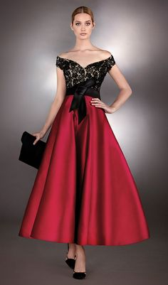 Fashion and style inspiring ideas meant for women. Look wonderful in the top of the line budget-friendly street fashion. Gold Formal Dress, Strapless Dress Formal, Formal Dresses, Hijab Fashion, Girl Fashion, Fashion Dresses, Womens Fashion, Off Shoulder Outfits, Hijab Dress Party