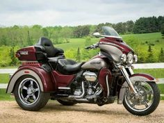 2018 Harley-Davidson TRI GLIDE ULTRA, So much mile-eating function and comfort it needed an extra wheel. There's almost no limit to just how far the features on 2018 Harley Davidson Trike, Harley Davidson Street Glide, Harley Davidson Fotos, Harley Davidson Pictures, Harley Davidson Museum, Street Glide Special, Trike Motorcycle, Harley Davison, Bike Photo