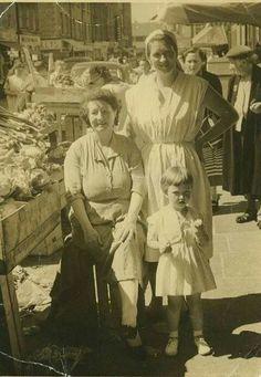 3 Generations on Moore st Dublin Cork Ireland, Dublin Ireland, Ireland Travel, Old Pictures, Old Photos, Vintage Photos, Irish Images, Images Of Ireland, Ireland Homes