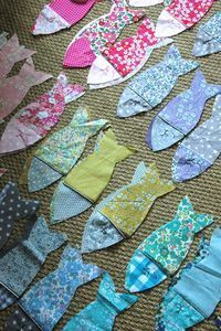 Célestine & compagnie - Page 2 - Célestine & compagnie Fabric Toys, Fabric Art, Fabric Scraps, Fabric Storage, Storage Bins, Fish Crafts, Diy And Crafts, Sewing Hacks, Sewing Crafts