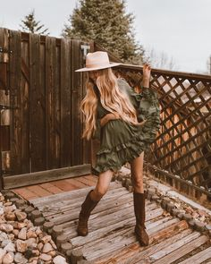 When you realize tomorrow is Friday 💃🏼 Country Girl Outfits, Southern Outfits, Country Girls, Cute Country Clothes, Country Dresses, Western Outfits Women, Country Fashion, Country Girl Clothing, Southern Dresses