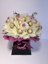 Deluxe Ferrero Rocher Chocolate Bouquet in Cream/Aubergine Ferrero Rocher Bouquet, Ferrero Rocher Chocolates, Chocolate Lindt, Chocolate Bouquet, Gift Bouquet, Handcrafted Jewelry, Handmade, How To Make Chocolate, Unusual Gifts