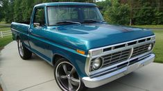 I totally am keen on this color choice for this 1983 Custom Ford Trucks, Classic Ford Trucks, Old Pickup Trucks, Lifted Ford Trucks, Chevrolet Trucks, 1957 Chevrolet, Chevrolet Impala, Classic Cars, 1979 Ford Truck