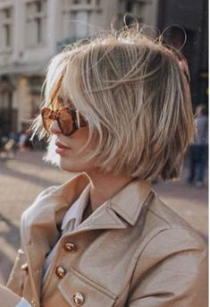 Women short hair 551902129336611809 - Modern-Blonde-Bob-Hair Latest Short Haircuts for Women 2019 Source by Stylish Short Haircuts, Popular Short Haircuts, Short Hair Cuts For Women, Short Hairstyles For Women, Blonde Bob Hairstyles, Cool Hairstyles, Pixie Haircuts, Easy Hairstyle, Great Hair