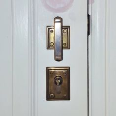 Brionne T-knob. Installed by The Tidy Tradie - Lock Carpenter, supplied by Mother of Pearl & Sons Trading. #Brionne #TKnob #T-Knob #MOP #motherofpearl #motherofpearltrading