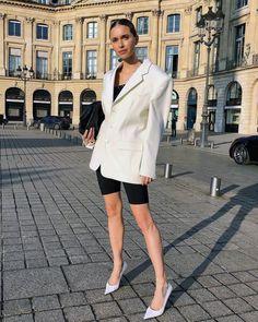 Bottega Veneta Clutch Bag: Pernille Teisbaek in white blazer and cycling shorts Laura Ingalls, Kourtney Kardashian, Karl Lagerfeld, Yeezy, 2000s Trends, Chic Outfits, Fashion Outfits, Inspired Outfits, Fashion Ideas