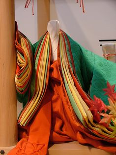 Heian Junihitoe, Maple colors, from the Kyoto Costume Museum.  Photo by crimsongriffin28