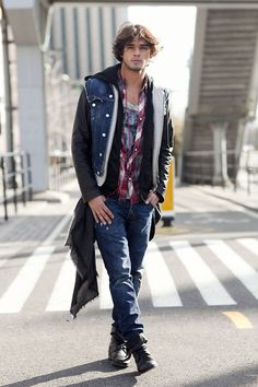Brazilian model Marlon Teixeira before Jeffrey Fashion Cares 2013 New York agency: Wilhelmina São Paulo/Mother agency: Way Marlon is currently in the SS13 Armani Exchange campaign and was recently on the May cover of LOfficiel Hommes Korea. He is wearing a Dsquared jacket and jeans, AllSaints shirt, and Volcom shoes. Just some eye candy for the male-model-obsessed!