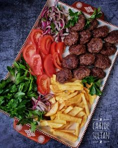 Turkish Kitchen, Yummy Food, Tasty, Food Goals, Iftar, Turkish Recipes, Food Design, Food Presentation, Food Art