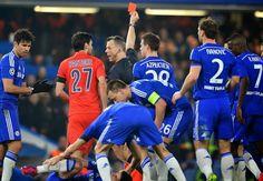Bola News - Barca Vs M City, Fernando: Kami Takkan Merubung Wasit - Gelandang Manchester City, Fernando Reges, tidak ingin dibandingkan...