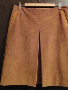 Модели, сшитые по выкройке Юбка расклешенного силуэта Khaki Pants, Skirts, Fashion, Moda, Khakis, Fashion Styles, Skirt, Fasion