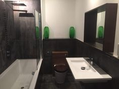small bathroom with slate floor