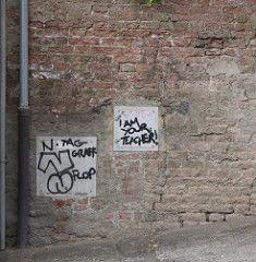 Is Graffiti Art Or Vandalism - A culture article for the English magazine Graffiti Art Or Vandalism, English Magazine, English Reading, Italy, Culture, Italia