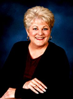Oh Donna 50 Years Later: Donna Ludwig Fox Was Ritchie Valens Girlfriend and The Inspiration For The Song More here. A very nice story. 60s Music, Music Icon, Ritchie Valens, Funny Romance, American Bandstand, Buddy Holly, Slow Dance, Music Heals, Romantic Songs