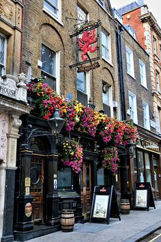 The Red Lion, Duke of York Street near Piccadilly, In an area without that many good traditional pubs with a decent interior, this is one of the few, does get busy as a result of being the only reasonable boozer around but worth trying out.