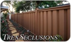 Wood Picket Fence Panels Sale - Garden fencing is crucial for people in need of safety and privacy. A backyard or yard wil Wood Picket Fence, Picket Fence Panels, Privacy Fence Panels, Wood Fences, Rail Fence, Cheap Fencing Options, Fence Options, Fence Ideas, Backyard Fences
