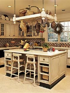 Love the hanging piece.  So many decorating options!
