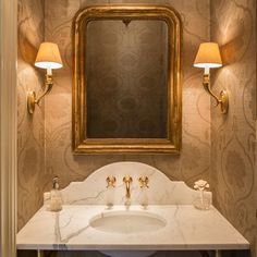 I love the wallpaper in this powder room. The post Powder Room Ideas. I love the wallpaper in this powder room. Powder Room Decor, Powder Room Design, Powder Room Vanity, Bad Inspiration, Bathroom Inspiration, Baño Color Beige, Neutral Colors, Home Luxury, Luxury Homes